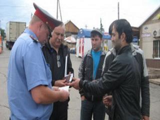 Кузбасские полицейские выявили на рынке областного центра нелегальных мигрантов