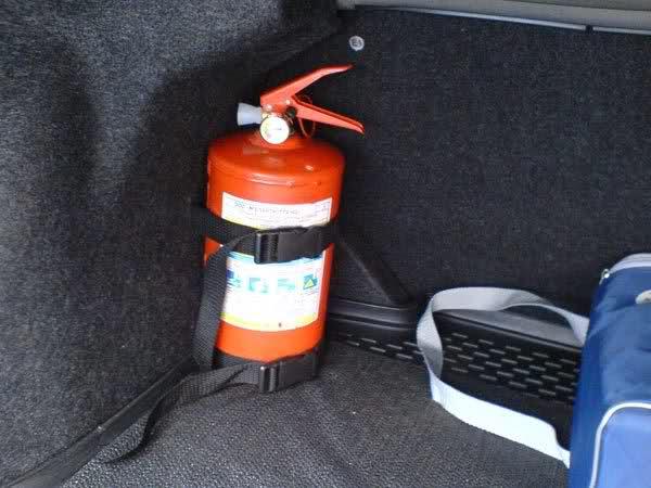 Какой огнетушитель требуется для легкового автомобиля мужчин приподнятой